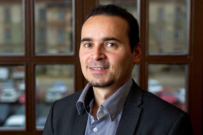 Mario Bara