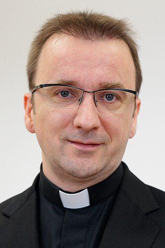 Dr. Denis Barić
